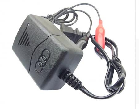 Akumulatoru lādētājs