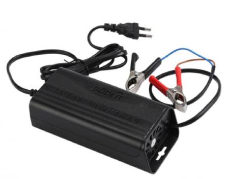 Motocikla akumulatoru lādētājs